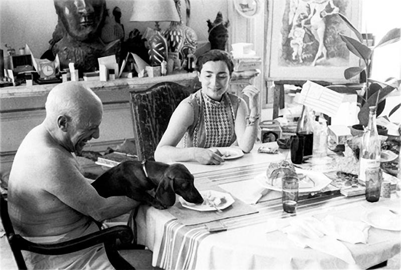 пабло пикассо и его жена ева малярным проклеиваем