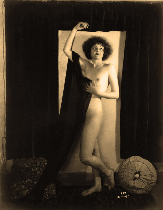 Unknown as Clara Bow_Tuscan, Henry Shaw_05