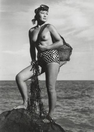 15b-Seaweed+Gatherers,+c.+1950